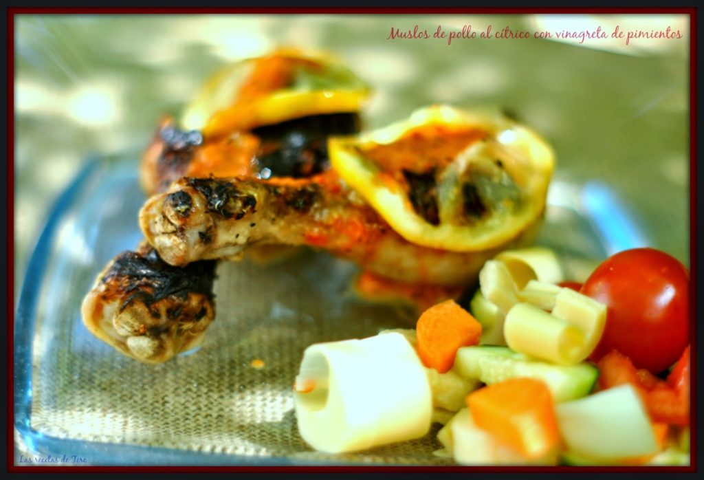 Muslos de pollo al cítrico con vinagreta de pimientos 05