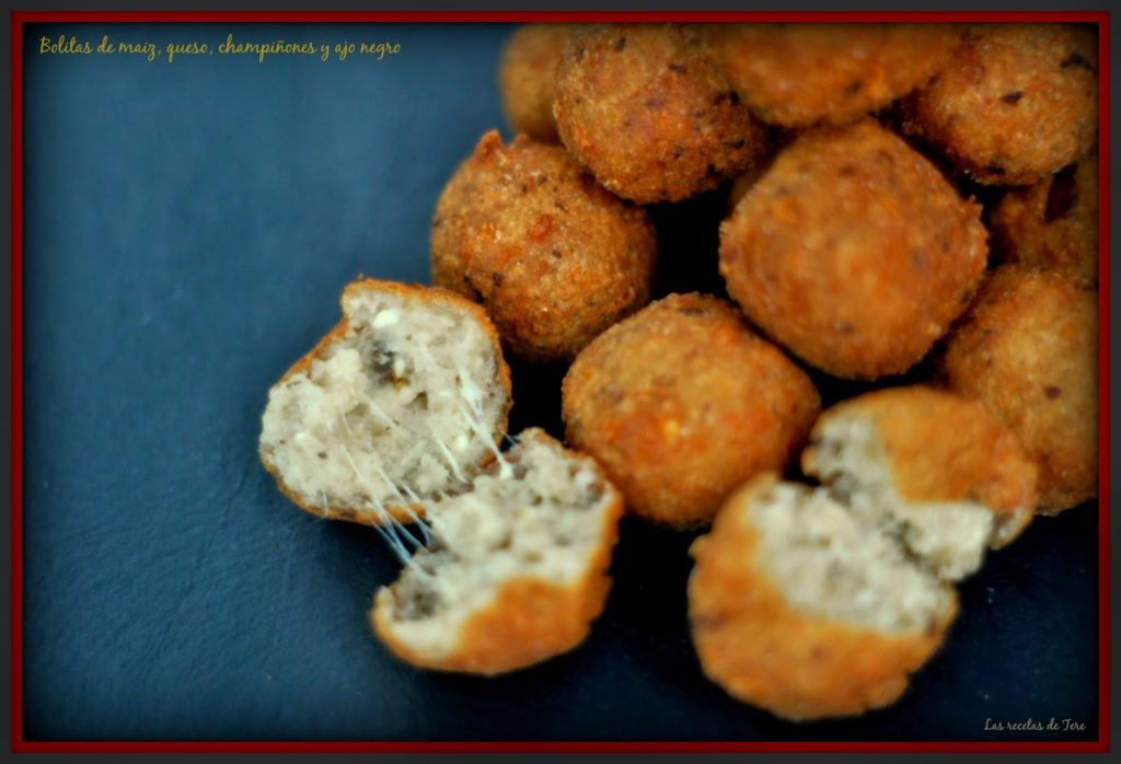 Bolitas de maiz queso champiñones y ajo negro 02