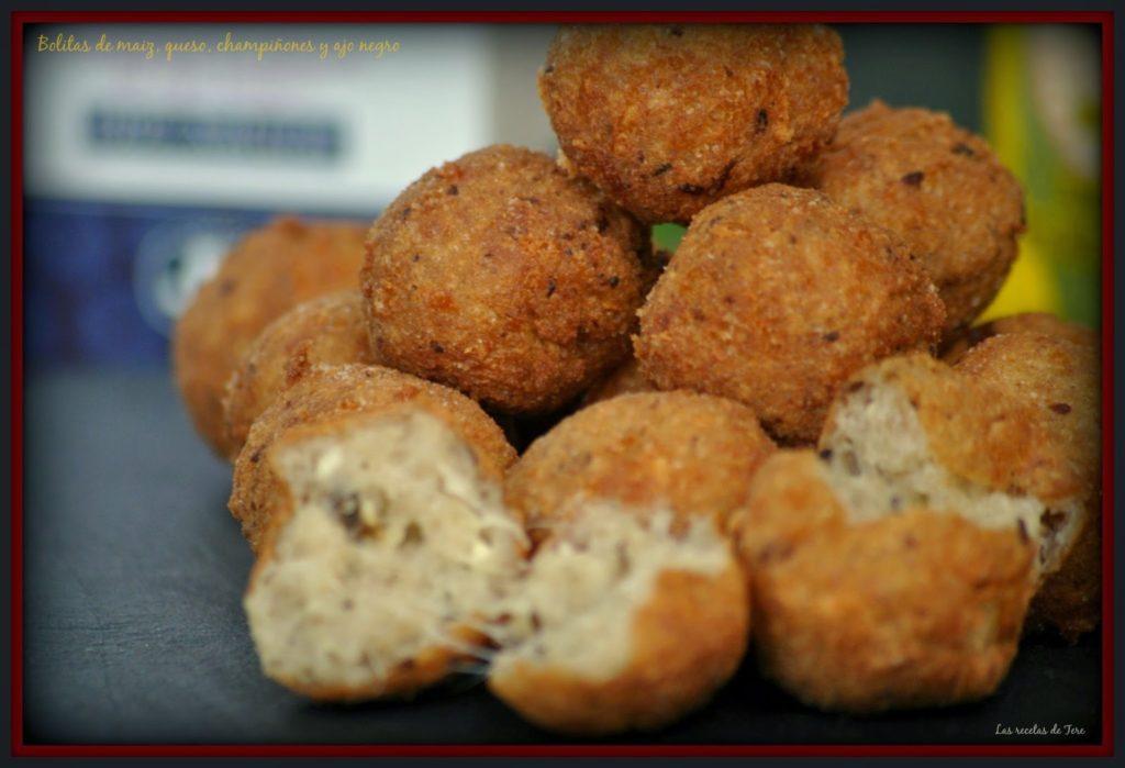 Bolitas de maiz queso champiñones y ajo negro 06