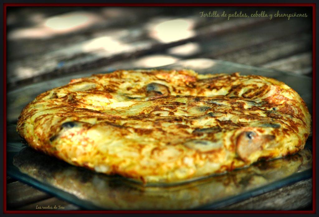 Tortilla de patatas, cebolla y champiñones 02