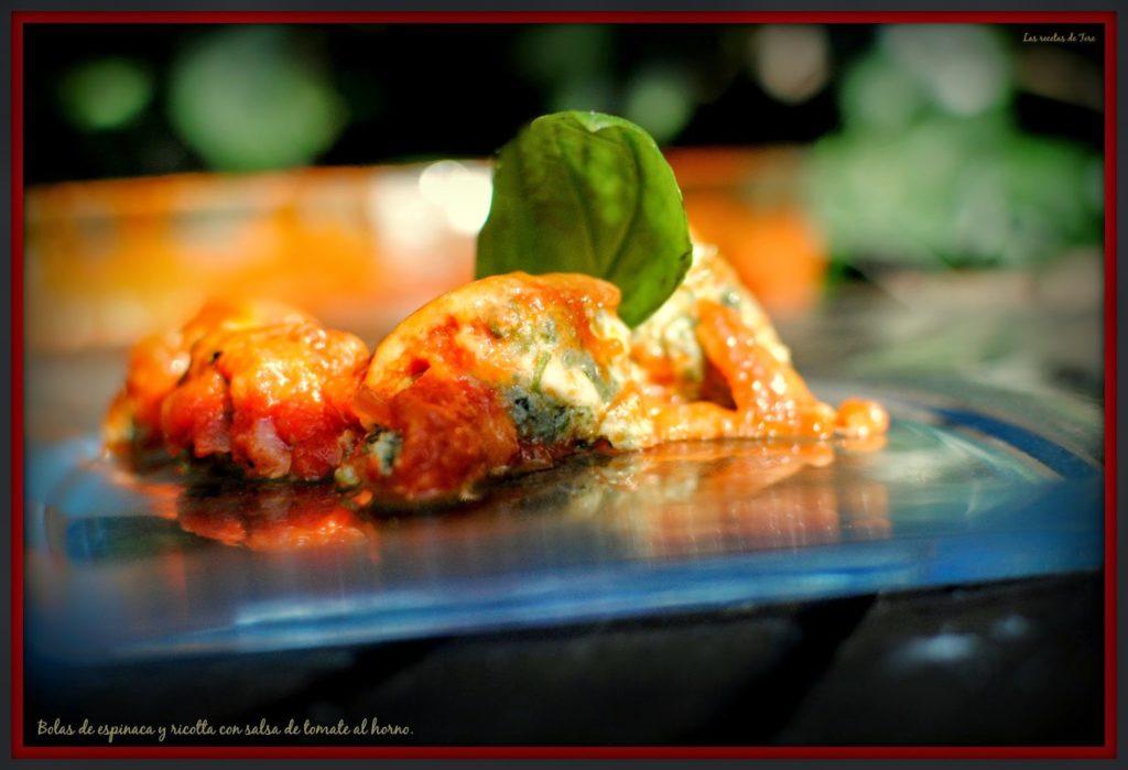bolas de espinaca y ricotta con salsa de tomate al horno tererecetas 01