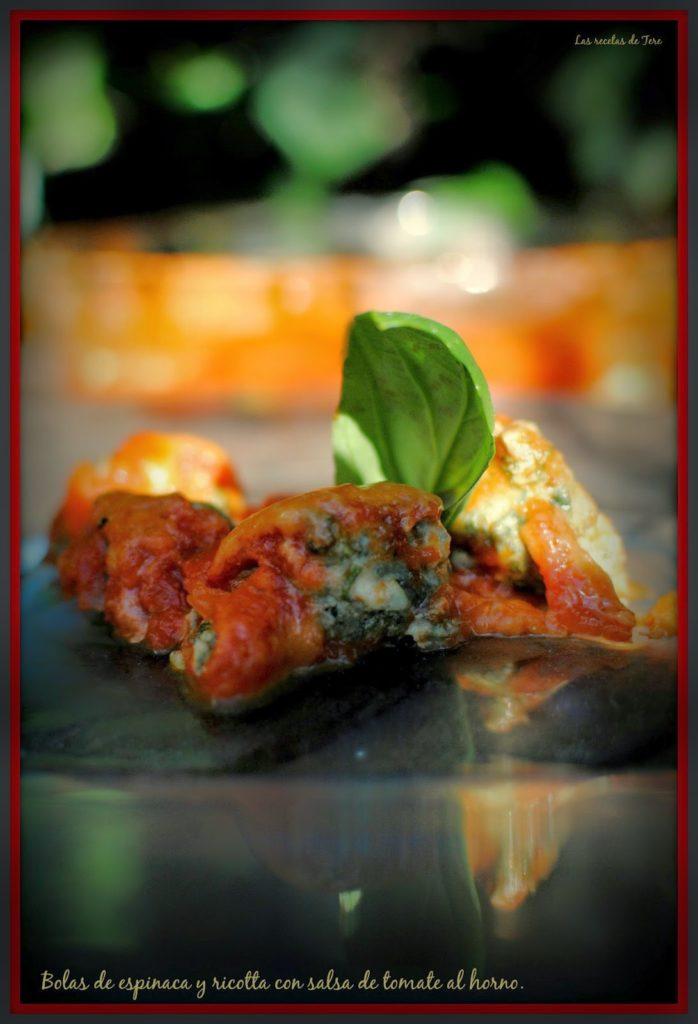 bolas de espinaca y ricotta con salsa de tomate al horno tererecetas 03