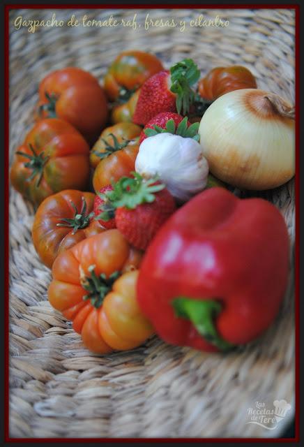 gazpacho de tomate raf fresas y cilantro tererecetas 02
