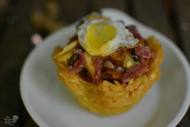 cesta de patatas con huevos rotos y jamon tererecetas 01
