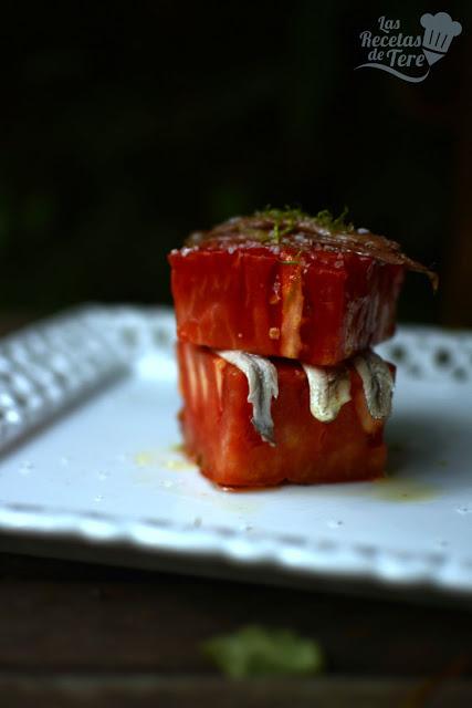 Ensalada de tomate rosa de Barbastro anchoas y boquerones tererecetas 06