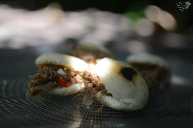 Arepitas rellenas de carne mechada tererecetas 04