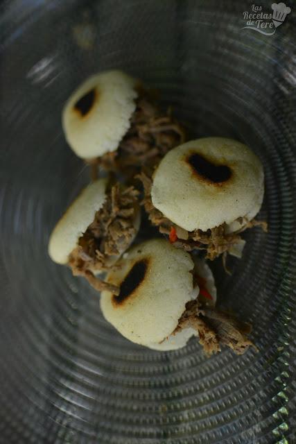 Arepitas rellenas de carne mechada tererecetas 02