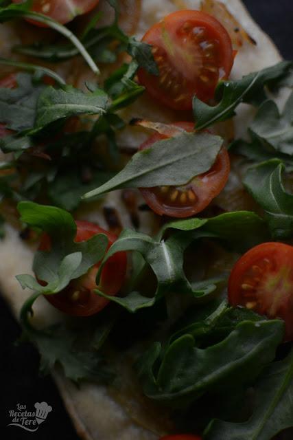 Coca de tomate cherry y rúcula tererecetas 04