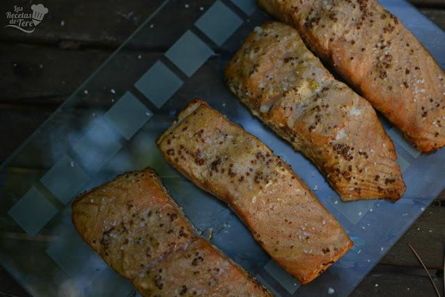 Salmón preparado en horno ahumador macerado con moztaza antigua y zumo de mandarinas 05