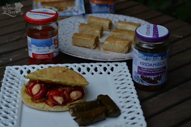 Gyros rellenos de guindillas con queso feta y aceitunas kalamata con tomate seco tererecetas 04