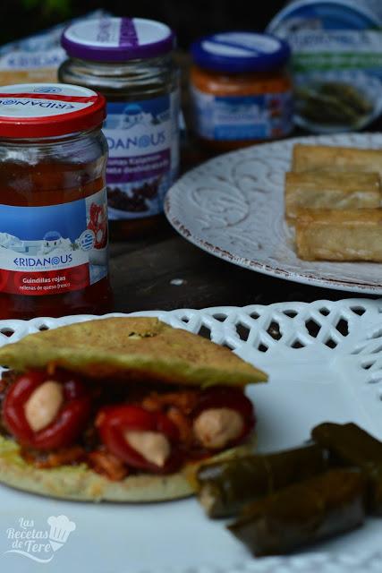 Gyros rellenos de guindillas con queso feta y aceitunas kalamata con tomate seco tererecetas 02