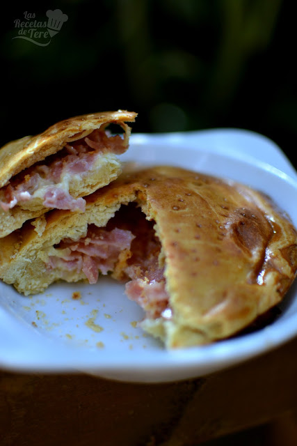 Empanada de jamón de york y queso emmental 02