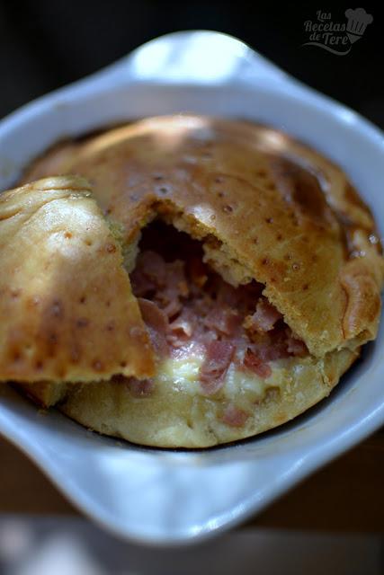 Empanada de jamón de york y queso emmental 04