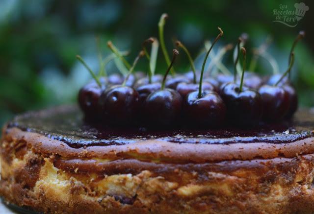 Tarta de quesos con picotas y cerezas 04