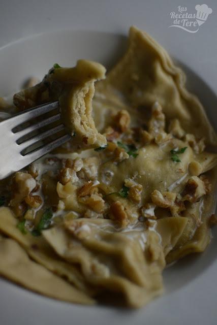 Raviolis con queso azul nueces y manzana tererecetas 06