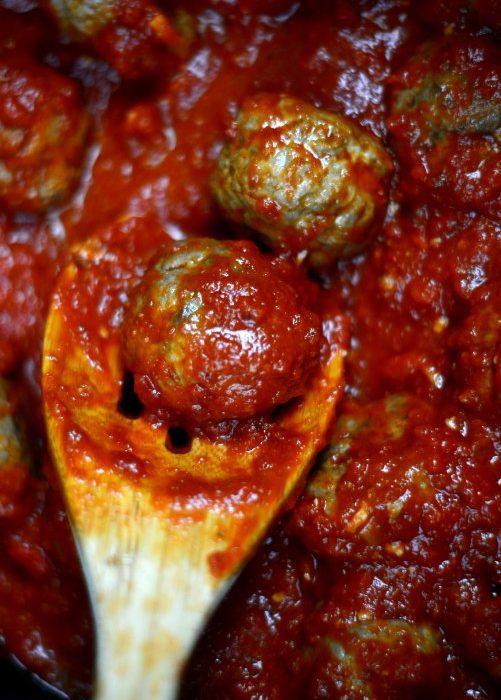 Albondigas Con Slasa De Tomate 05